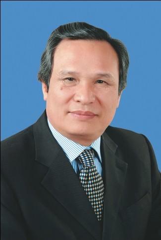 Hiệu trưởng GS.TS. Đinh Văn Thuận