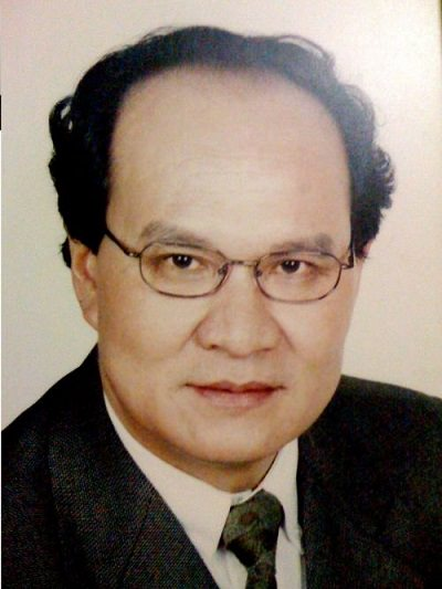 Phó Hiệu trưởng GS.VS.NGƯT Đinh Văn Nhã trong ban giám hiệu