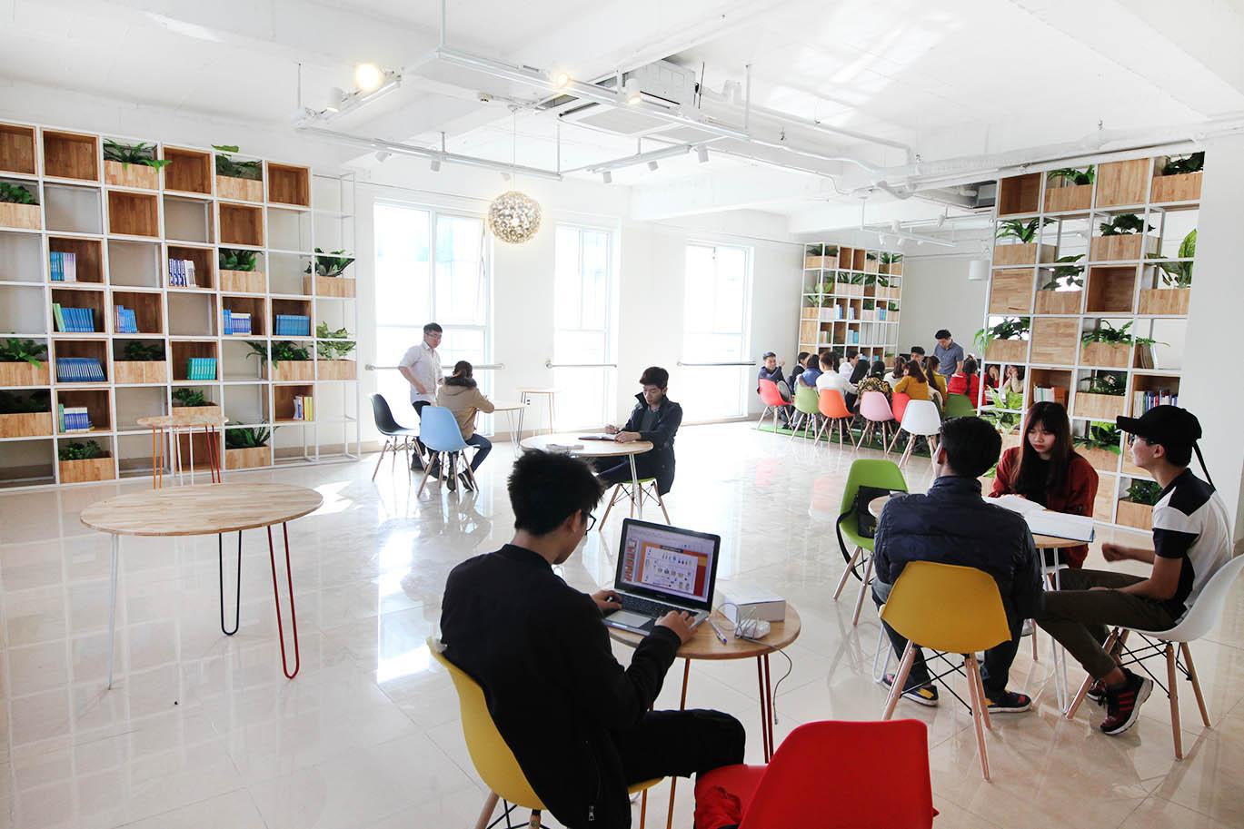 Thư Viện - Phòng Tự Học