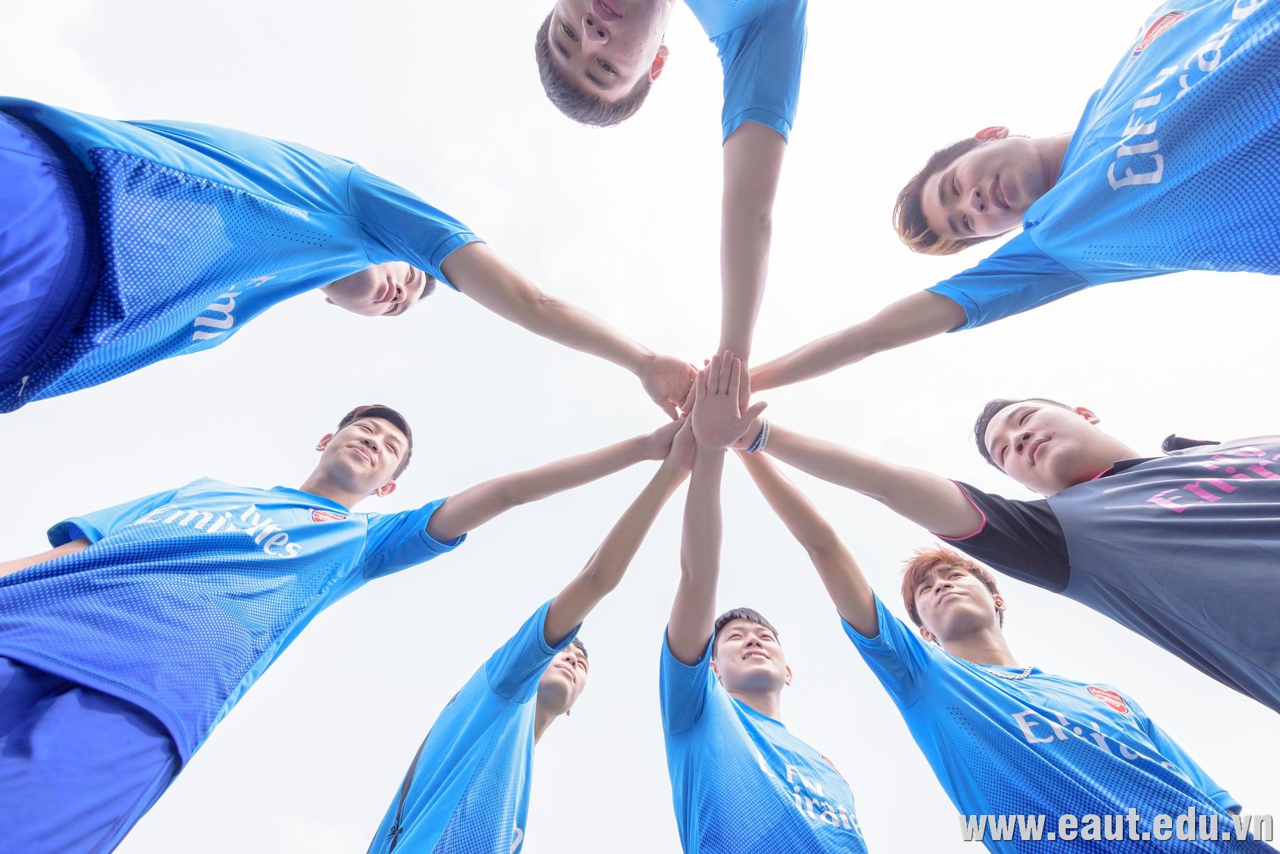 EAUT FOOTBALL CLUB nơi tụ hội của những thành viên đam mê bóng đá.