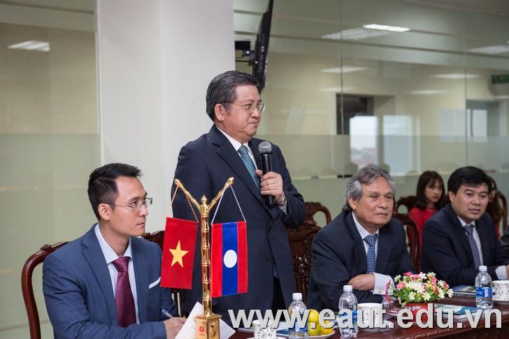 Ủy viên Trung ương Đảng, Ủy viên UBTVQH, Chủ nhiệm Ủy ban Đối ngoại Nguyễn Văn Giàu.