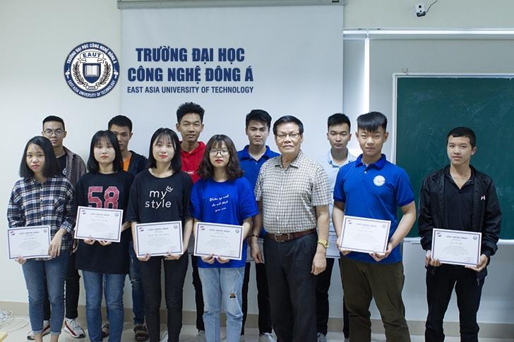 (Tiếng Việt) Sinh viên EAUT thực tập nhận thức được hưởng lương