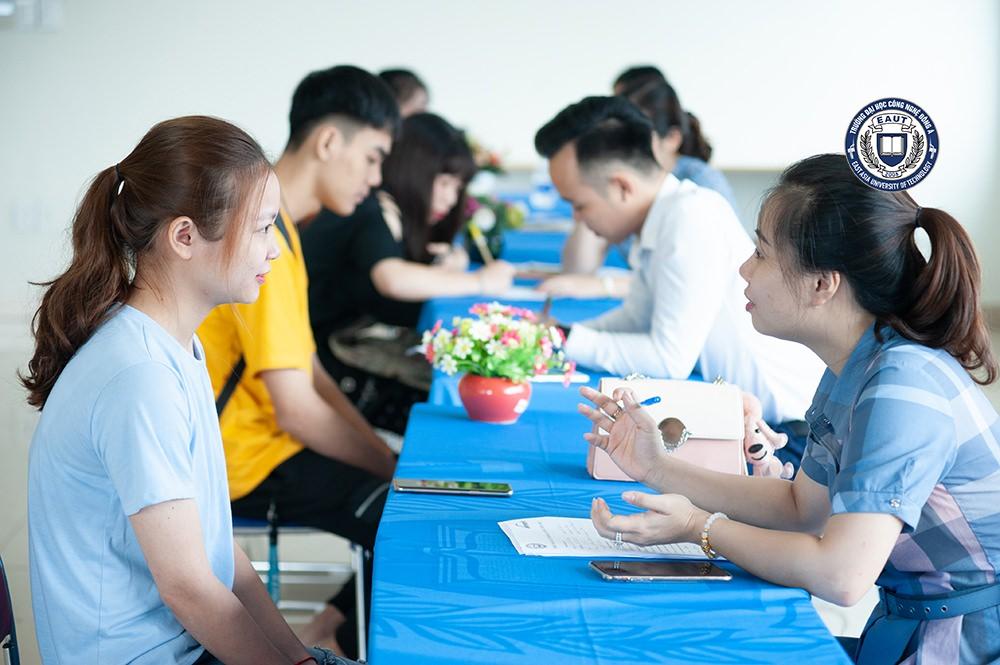 Phỏng vấn khai giảng lớp tiếng Nhật miễn phí cho sinh viên Đại học Công nghệ Đông Á