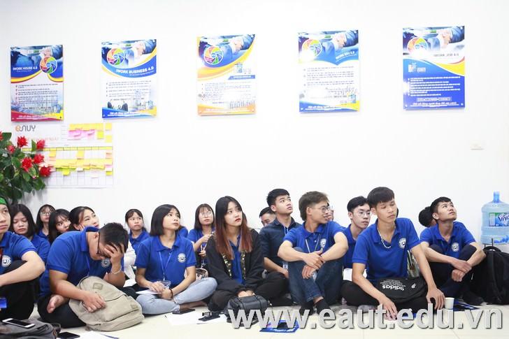 Sinh viên ngành Quản trị kinh doanh khóa 9 tham gia hoạt động trải nghiệm tại doanh nghiệp