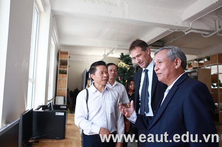 Sinh viên học điều dưỡng tại Đại học Công nghệ Đông Á sẽ có cơ hội sang Đức học tập và làm việc theo chương trình 2 + 2
