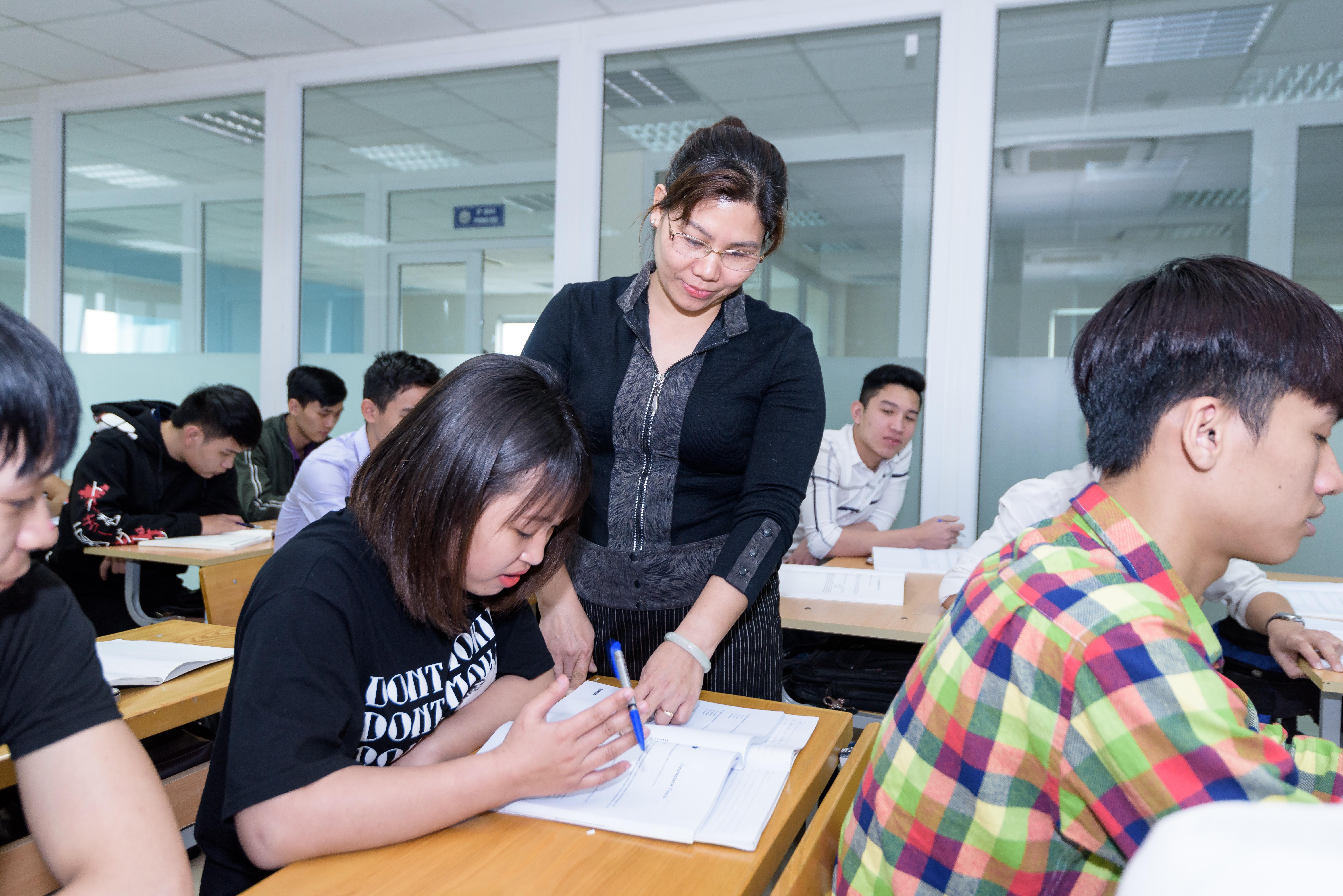 Học quản trị kinh doanh tại trường đại học Công Nghệ Đông Á