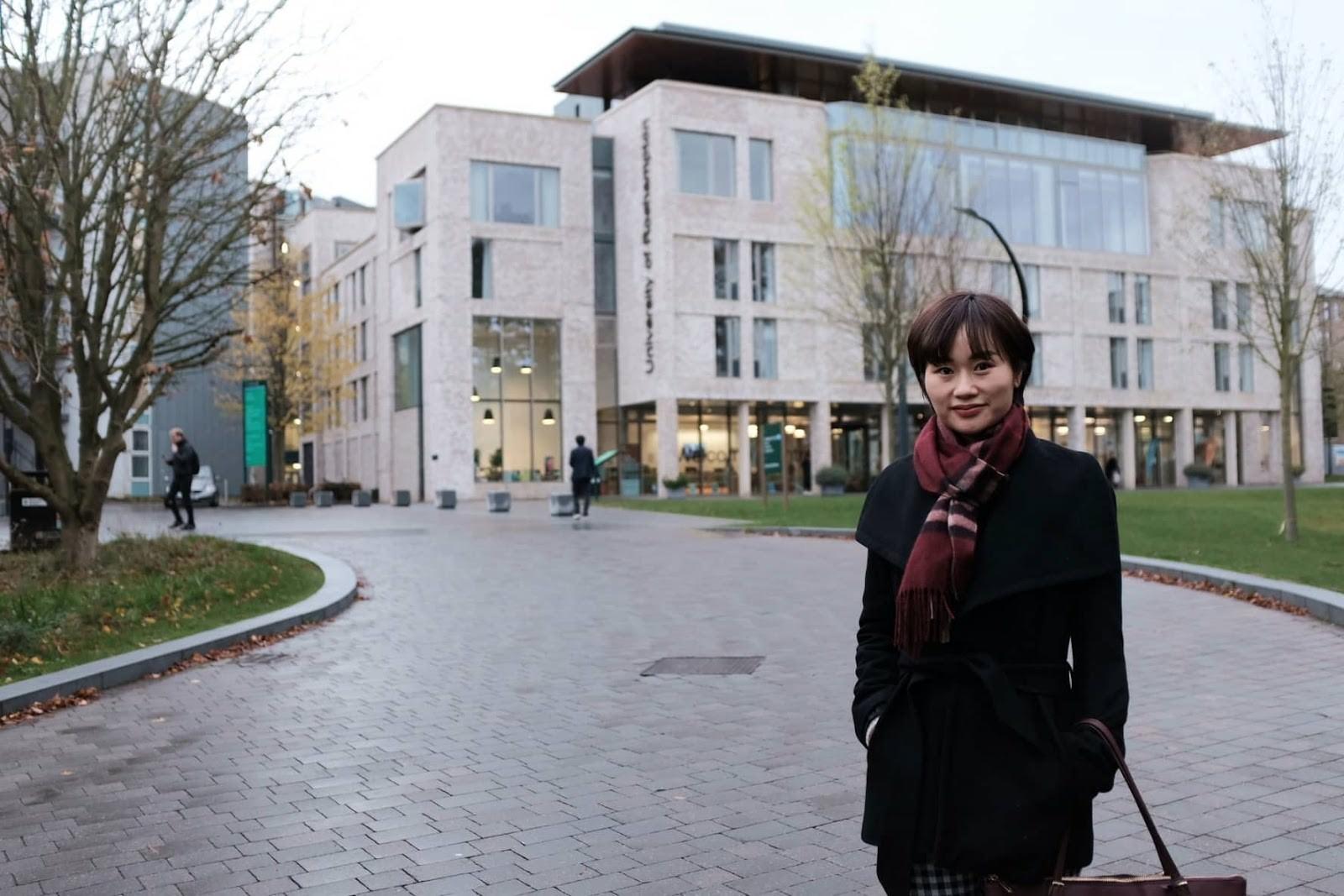 Thạc sĩ Hà Khánh Vân tại Đại học Roehampton ở London