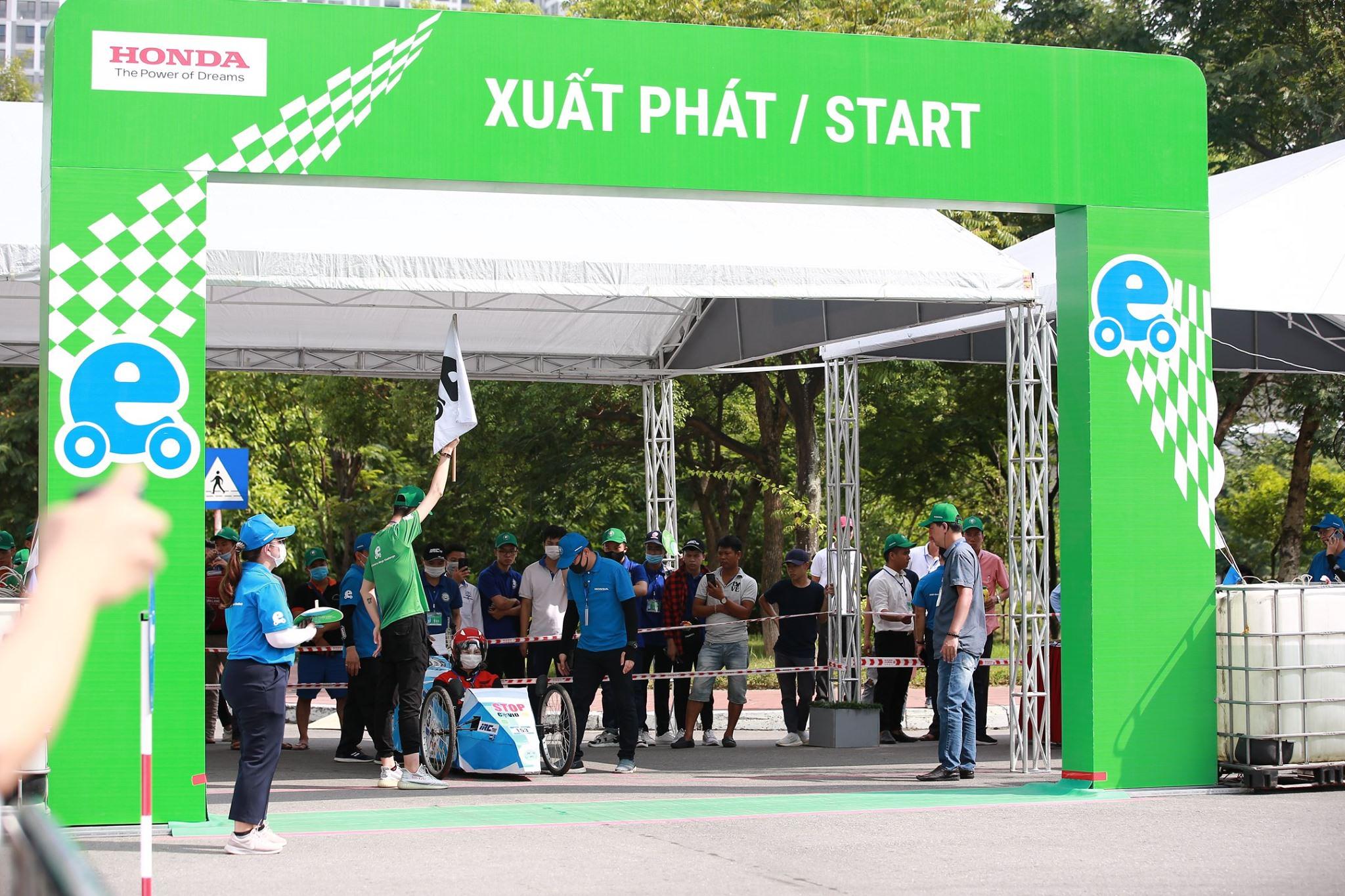 Chiếc xe tự chế đạt đủ các thông số kỹ thuật theo yêu cầu của Ban tổ chức trước khi được vào làn đua