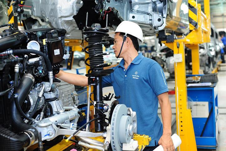 học ngành công nghệ kỹ thuật ô tô bạn sẽ được tiếp xúc với hầu hết mọi mặt liên quan đến ô tô