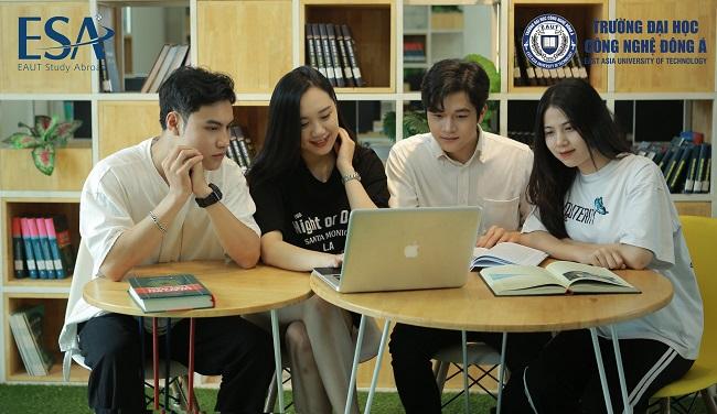 Thư viện xịn xò tại Đại học Công Nghệ Đông Á